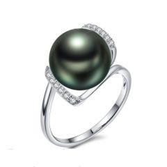 Tahitian Pearl and diamond petite ring