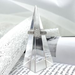 Amazing 2.30ct Total weight Radiant cut diamond ring. MEGA Special!